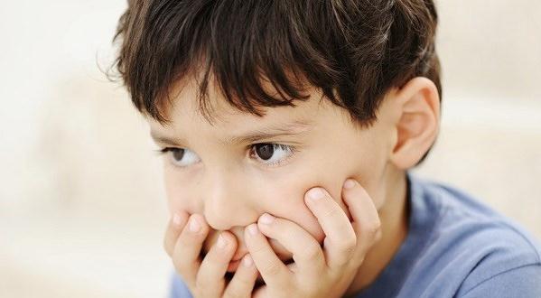 Tanda, gejala dan Penyebab keterlambatan bicara pada anak-anak